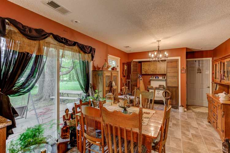 158 W Silver Bell Court Santa Claus IN 47579 | MLS 202020938 | photo 14