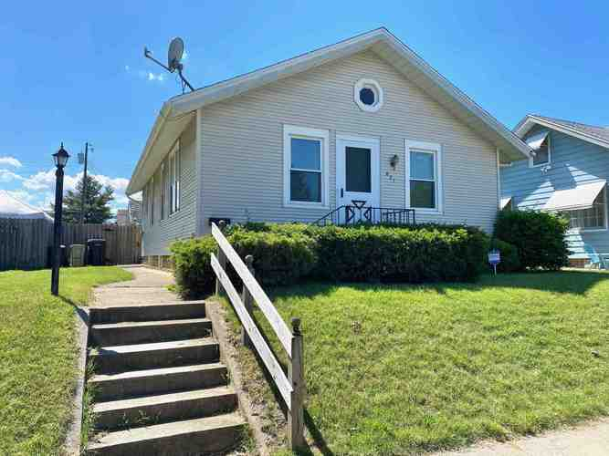 821 S 27th Street South Bend IN 46615 | MLS 202021765 | photo 1