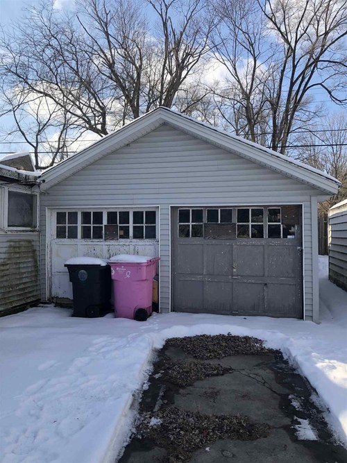 1849 College Street South Bend IN 46628-3224 | MLS 202021905 | photo 2