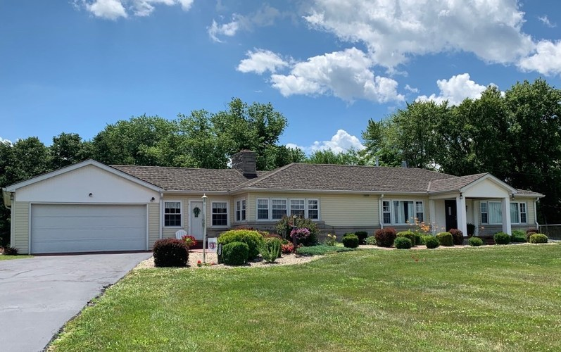 10614 N State Road 57 Plainville IN 47568 | MLS 202021984 | photo 1
