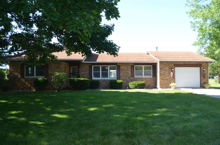 8062 E Epworth Forest Road North Webster IN 46567   MLS 202022158   photo 1