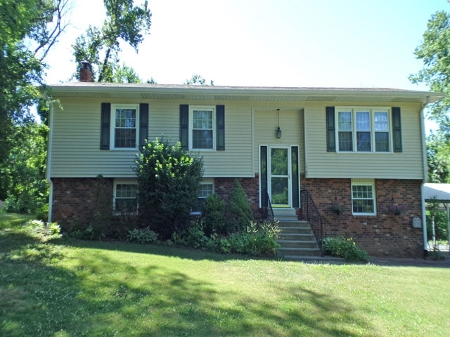 1909 Wolfe Hollow Place Vincennes IN 47591 | MLS 202022273 | photo 1