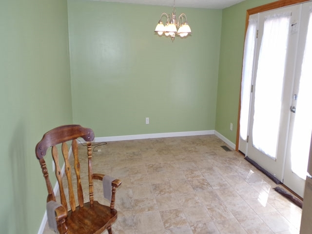 1909 Wolfe Hollow Place Vincennes IN 47591 | MLS 202022273 | photo 8