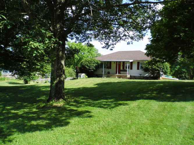 329 Indian Bead Road Lafayette IN 47909 | MLS 202022610 | photo 1