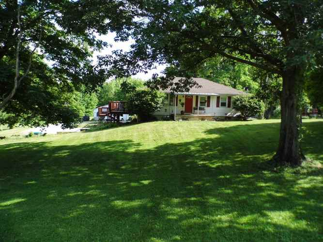329 Indian Bead Road Lafayette IN 47909 | MLS 202022610 | photo 2