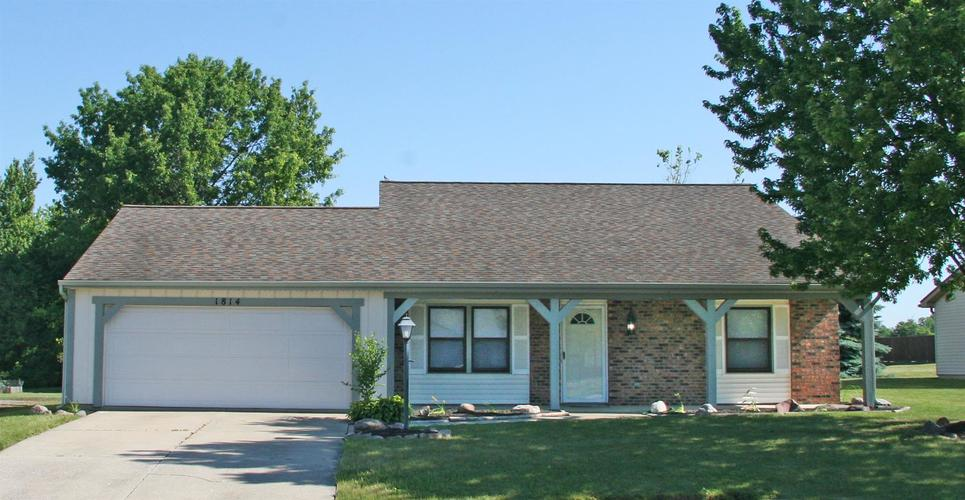 1814 Lima Valley Drive Fort Wayne IN 46845 | MLS 202022735 | photo 1