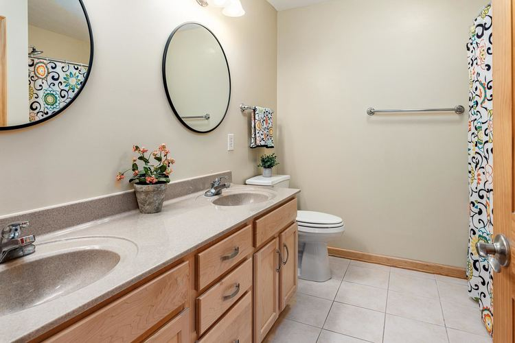 22163 White Spruce Court South Bend IN 46628-8149 | MLS 202022737 | photo 28