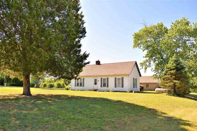2232 W Curry Drive Terre Haute IN 47802   MLS 202022846   photo 1