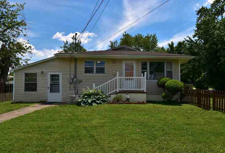 522 W Sycamore Street Boonville IN 47601 | MLS 202022854 | photo 1