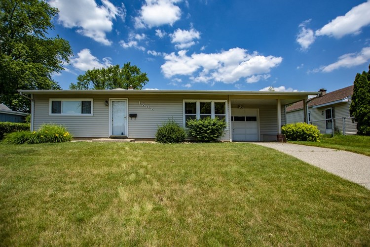 1303 Catherwood Drive South Bend IN 46614-2753 | MLS 202022963 | photo 1