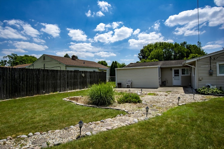 1303 Catherwood Drive South Bend IN 46614-2753 | MLS 202022963 | photo 23