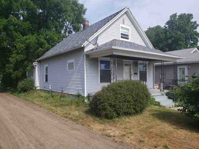 1023 S 27th Street South Bend IN 46615-1725   MLS 202023697   photo 1