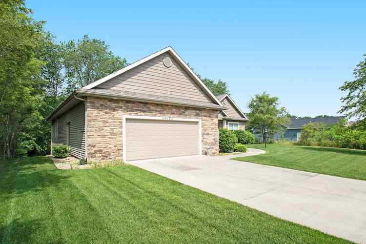 53185 Summer Breeze Drive South Bend IN 46637 | MLS 202023727 | photo 2