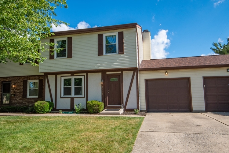 1831 Somersworth Drive South Bend IN 46614-6335 | MLS 202023936 | photo 1