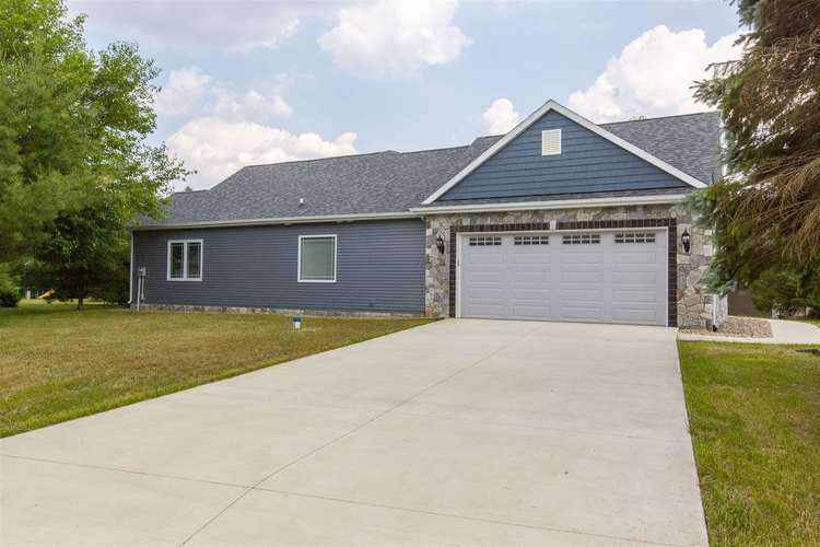 26173 Woodsong Drive South Bend IN 46628 | MLS 202023960 | photo 3