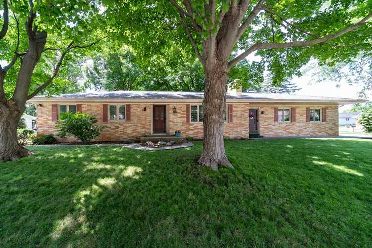 2221 Ribourde Drive South Bend IN 46628-3446 | MLS 202023963 | photo 1