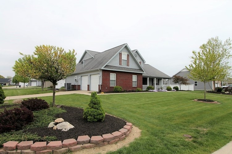 4413 Amesbury Drive West Lafayette IN 47906 | MLS 202024201 | photo 2