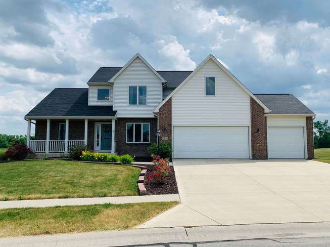 2300 E Whispering Trail Columbia City IN 46725 | MLS 202024426 | photo 2