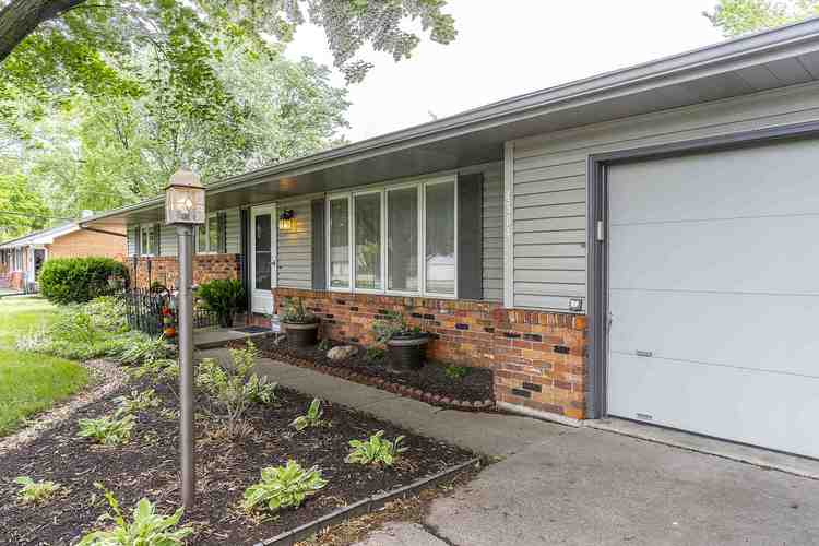 4504 Woodway Drive Fort Wayne IN 46835   MLS 202024613   photo 3
