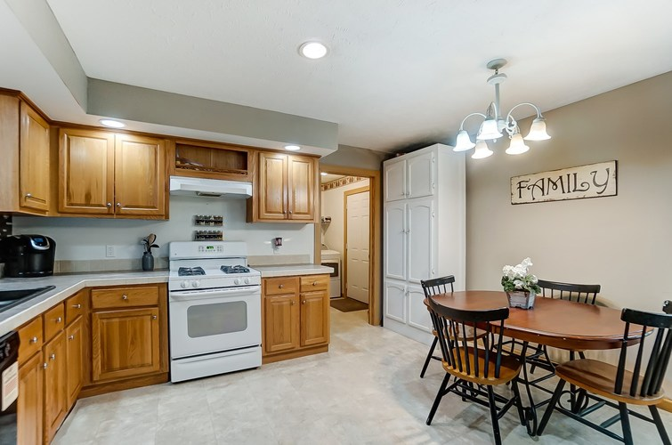 104 Booth Street Wolcottville IN 46795 | MLS 202024976 | photo 12