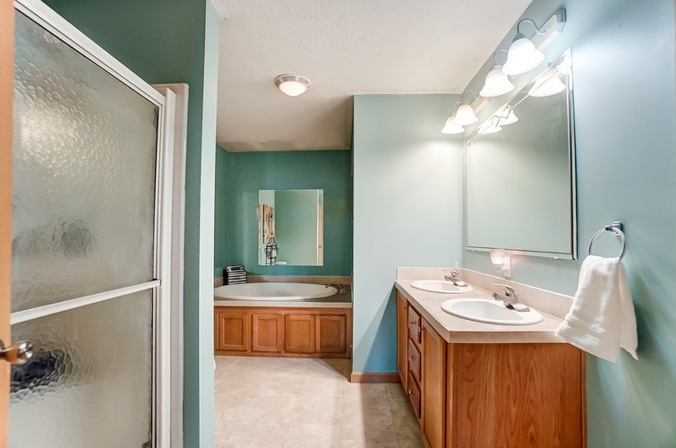 104 Booth Street Wolcottville IN 46795 | MLS 202024976 | photo 17