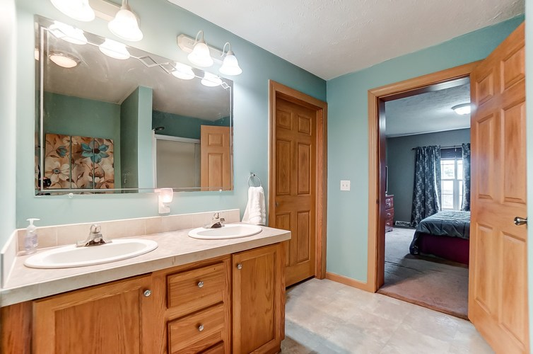 104 Booth Street Wolcottville IN 46795 | MLS 202024976 | photo 19