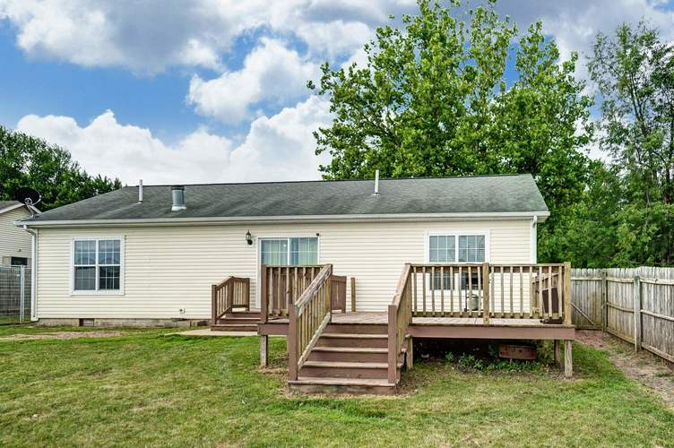 104 Booth Street Wolcottville IN 46795 | MLS 202024976 | photo 2
