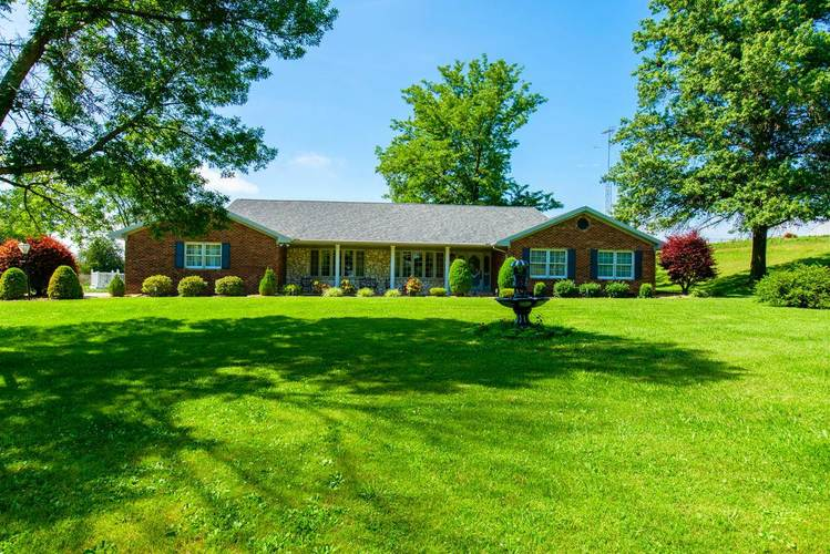 1093 W 150 S Road Princeton, IN 47670 | MLS 202025099