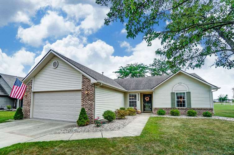 8529 Spring Forest Drive Fort Wayne IN 46804 | MLS 202025369 | photo 1