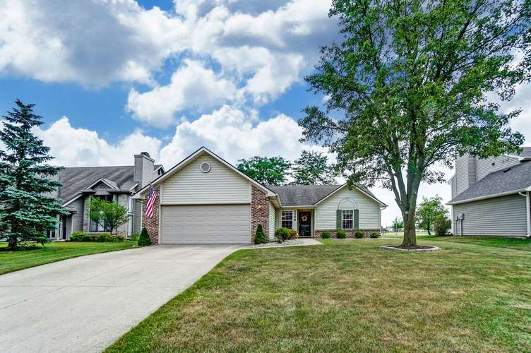 8529 Spring Forest Drive Fort Wayne IN 46804 | MLS 202025369 | photo 2