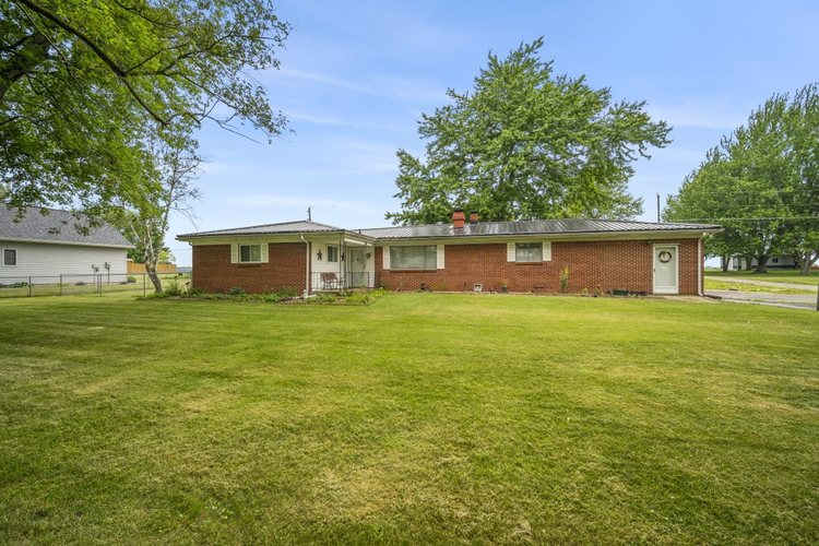 514 S Clinton Boulevard Bunker Hill, IN 46914 | MLS 202025514
