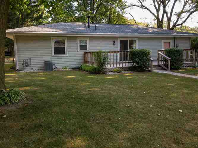 307 W Valleyview Drive Syracuse IN 46567 | MLS 202025743 | photo 6
