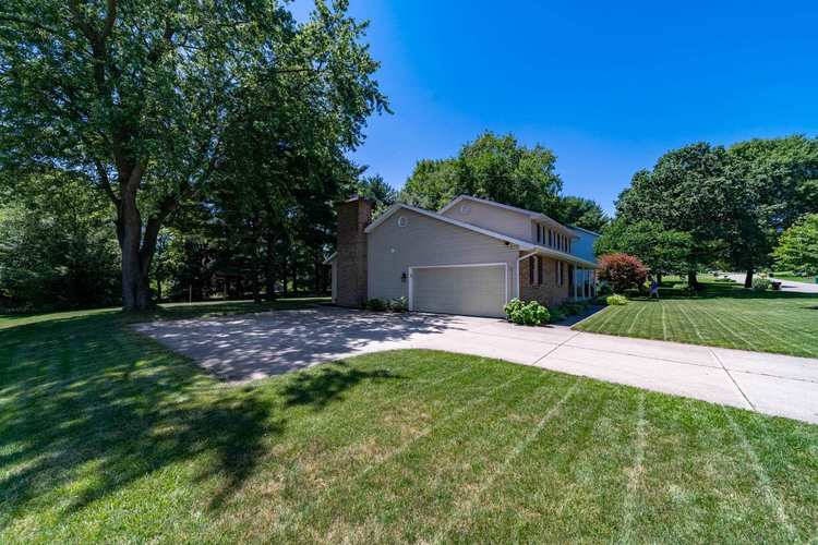 15586 Countryview Court Granger IN 46530 | MLS 202025902 | photo 2