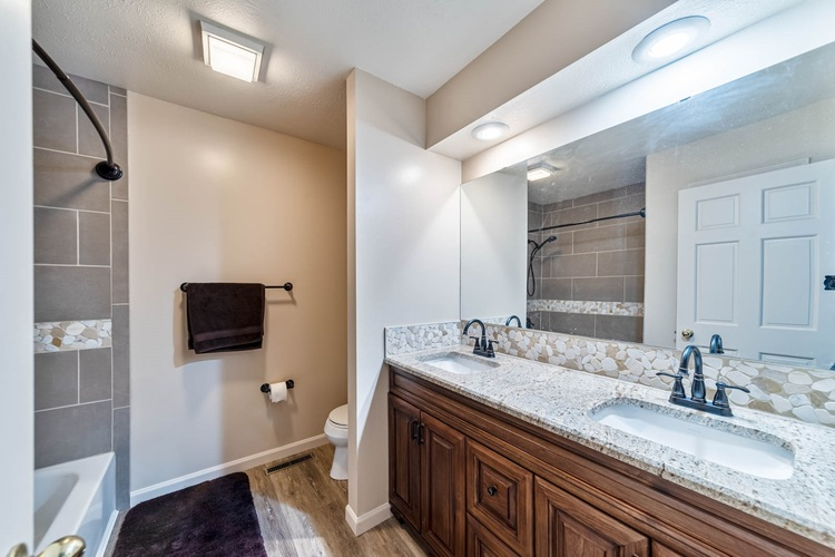 15586 Countryview Court Granger IN 46530 | MLS 202025902 | photo 23