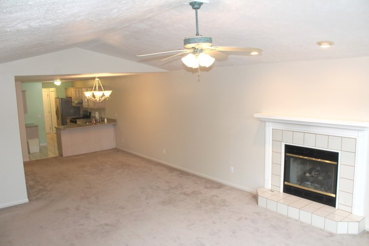 1607 Sawgrass Way South Bend IN 46628-8106   MLS 202026483   photo 3