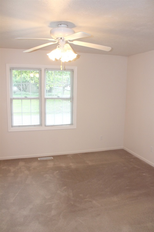 1607 Sawgrass Way South Bend IN 46628-8106   MLS 202026483   photo 6