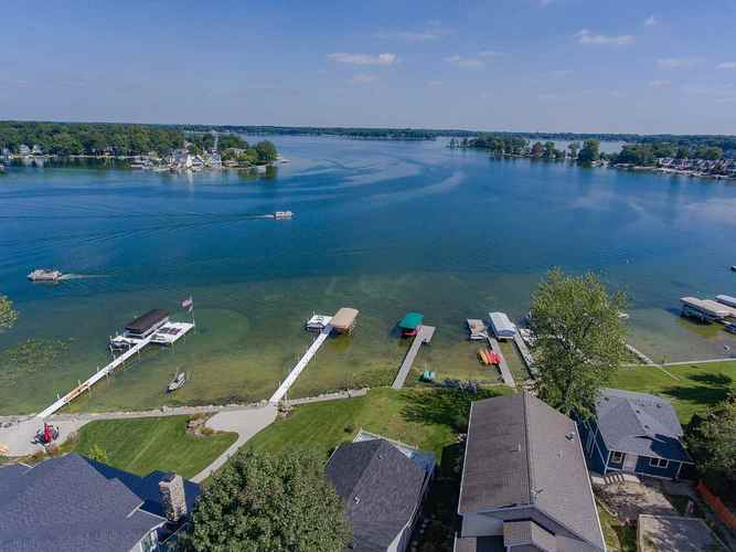 1124 S Clear Lake Drive Fremont, IN 46737-8869 | MLS 202026490