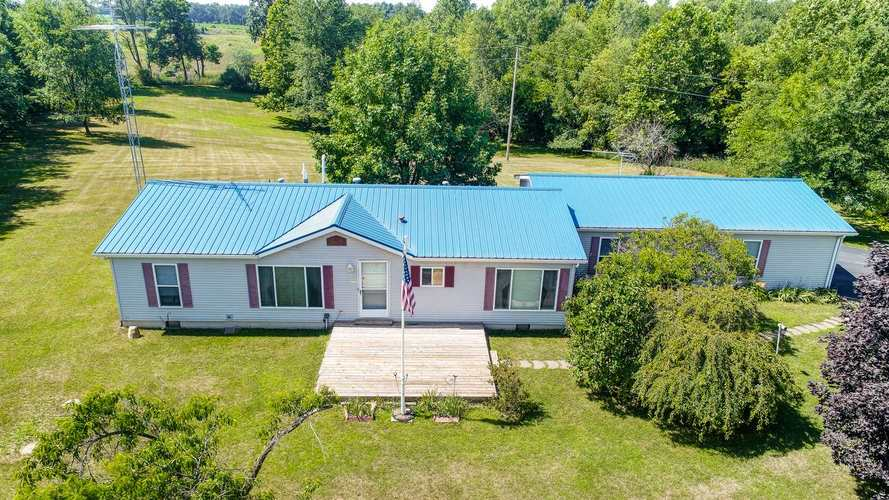 9821 W 800 N Road Orland, IN 46776 | MLS 202027358
