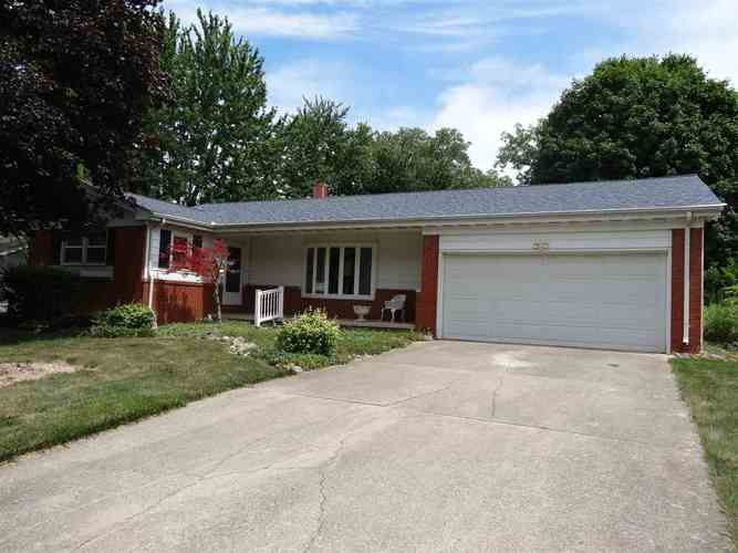 1055  Cambridge Drive Wabash, IN 46992 | MLS 202027468