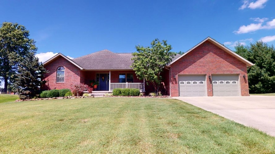 2033 N Shamrock Lane Jasper, IN 47546 | MLS 202027486