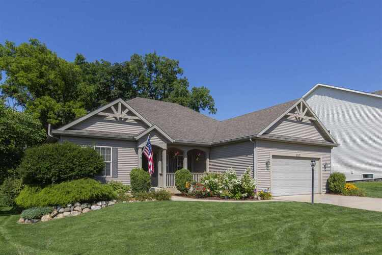 53127  Turning Leaf Drive South Bend, IN 46628   MLS 202027499