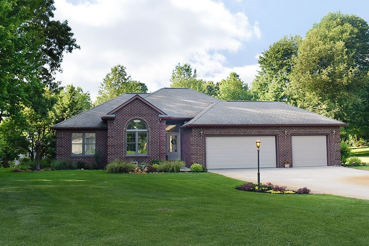 10051  Cypress Lane Middlebury, IN 46540-9479 | MLS 202027543