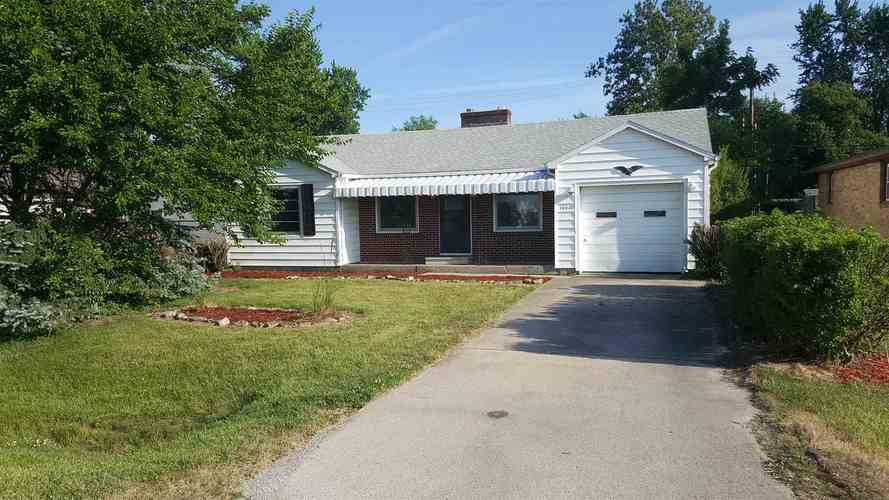 5806  New Haven Avenue Fort Wayne, IN 46803-3165 | MLS 202028238