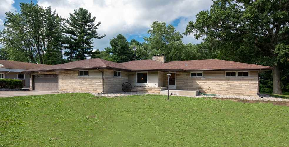 1101 E Lincolnway Street Plymouth, IN 46563 | MLS 202028593