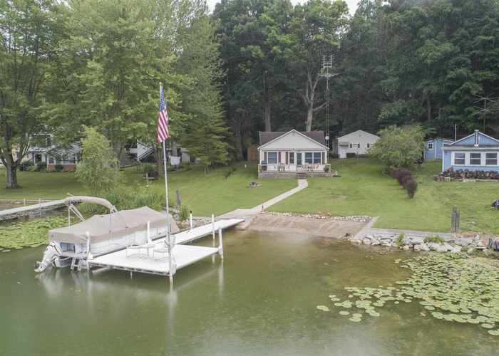 75  Lane 220A West Otter Lake  Angola, IN 46703 | MLS 202028698