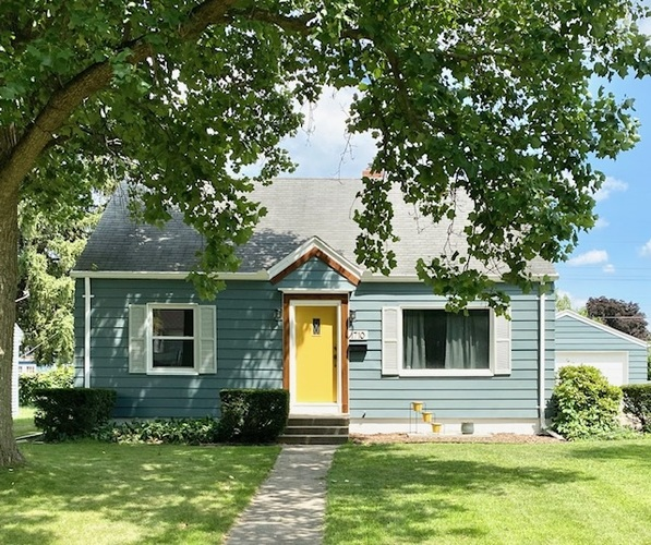 1710 N College Street South Bend, IN 46628 | MLS 202028924