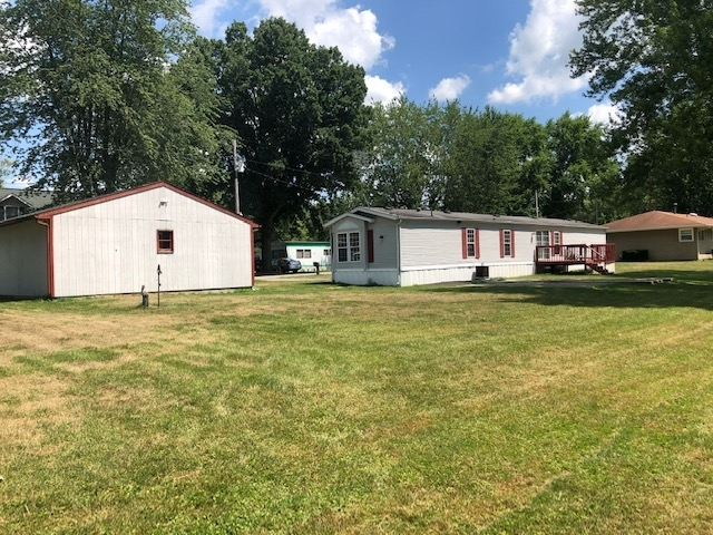 135  LN 102 West Otter Lk  Angola, IN 46703 | MLS 202028935