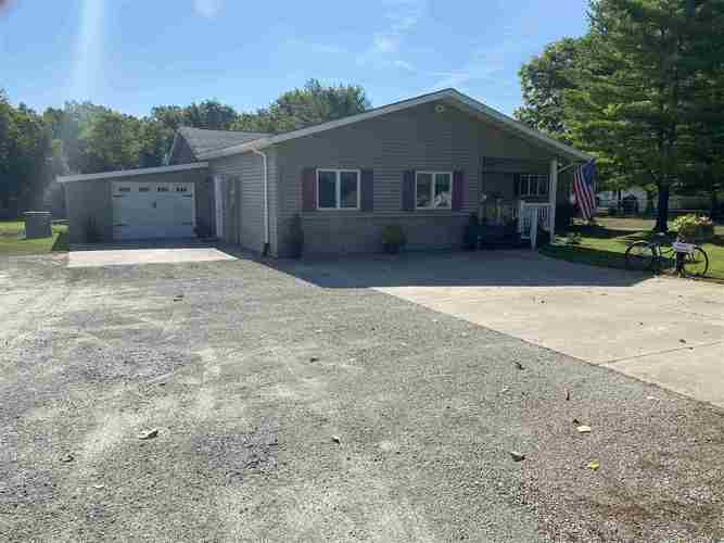 2166 S State Road 15  Warsaw, IN 46580   MLS 202029405