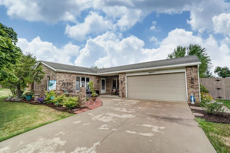 6915 Ordway Drive Fort Wayne IN 46815 | MLS 202029865 | photo 1