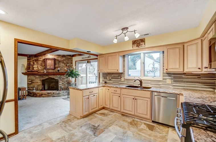 6915 Ordway Drive Fort Wayne IN 46815 | MLS 202029865 | photo 10